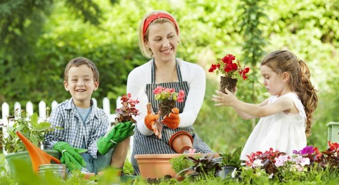 gardening-with-kids-6601.jpg